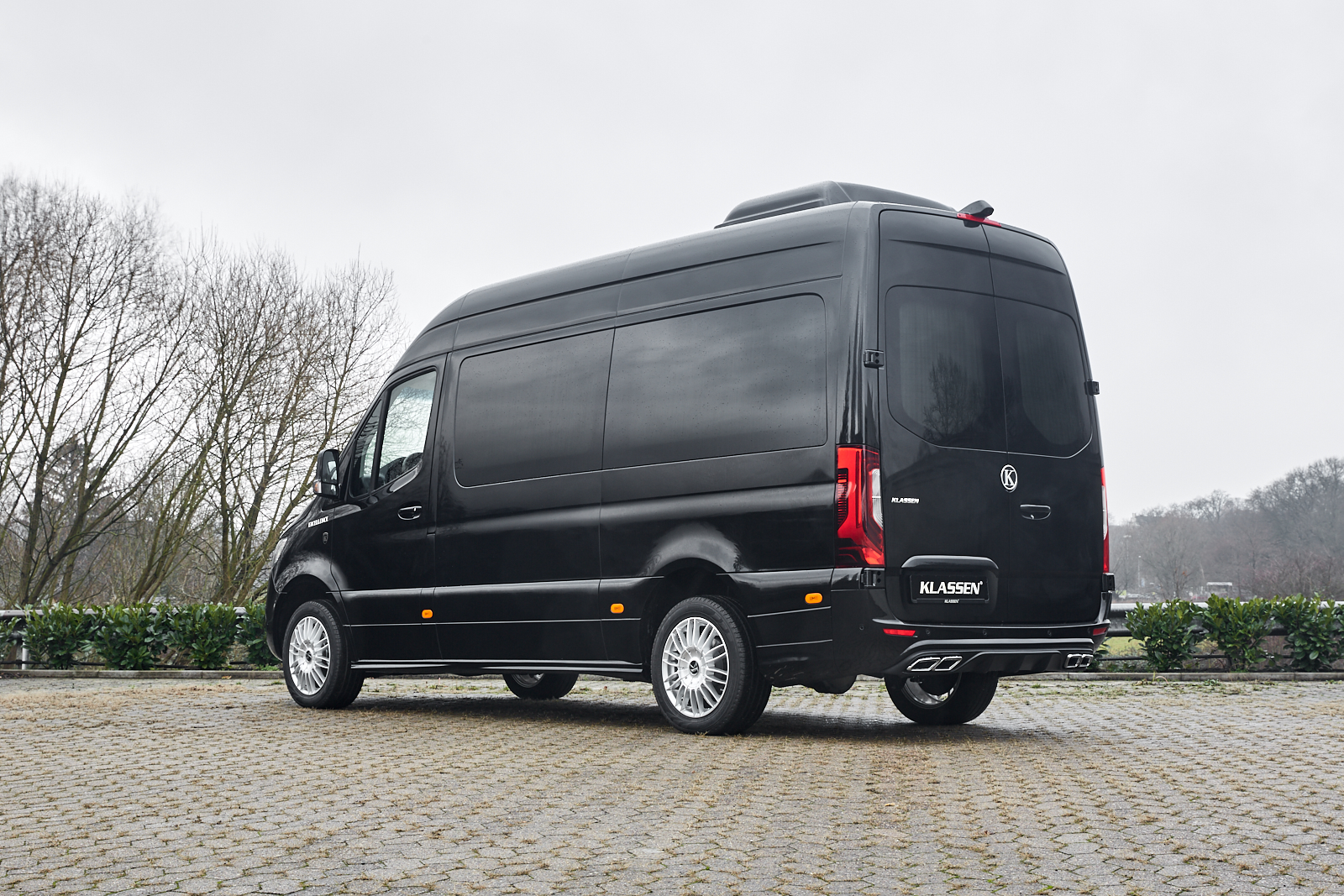 KLASSEN Business Van For Rent MSV_1387