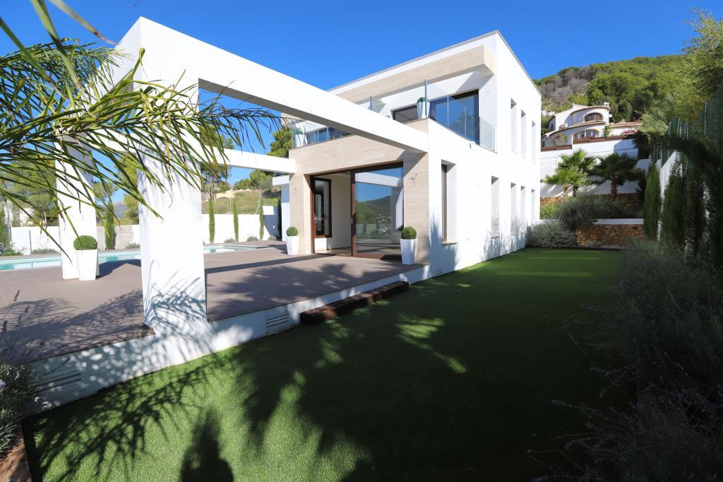 MODERN LUXURY VILLA IN JAVEA/XABIA FOR SALE